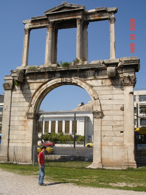 Jason in front of Hadrian's arch