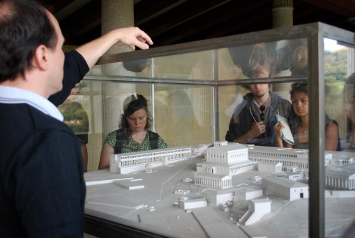 Perennail FSP favorite David Scahill explains a model of the Athenian Agora to the group.