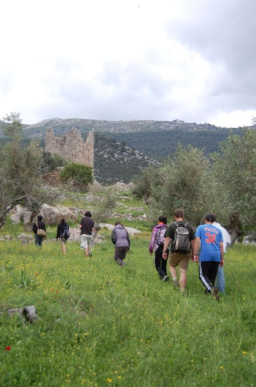 Going to check out the well-preserved fortification circuit at Aigosthena.