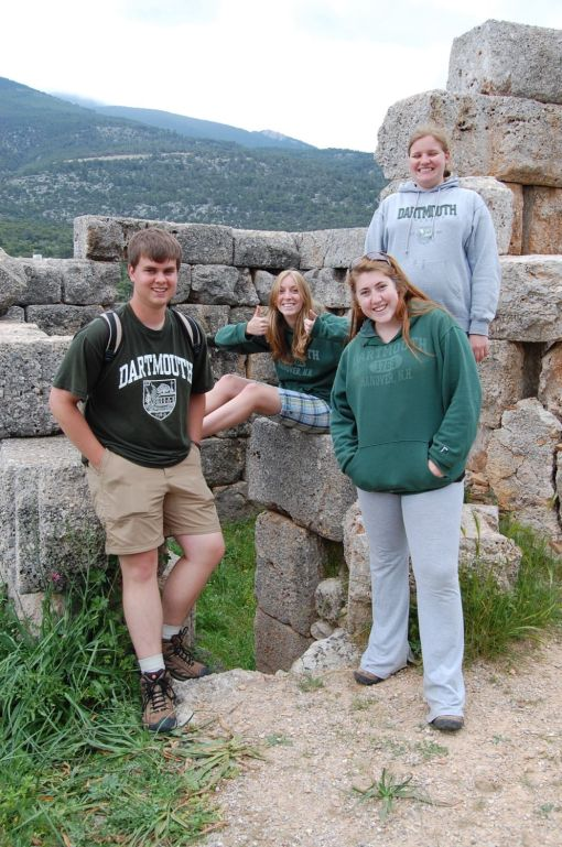 Charlie, KT, Kait, and Kate luxuriate in the ashlar isodomic masonry at Aigosthena.