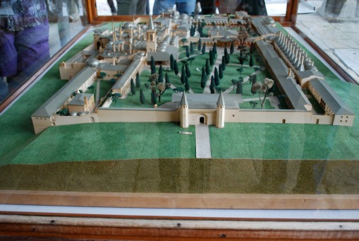 Model of the palace.