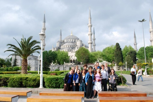 Group photo in front of the Blue Mosque.