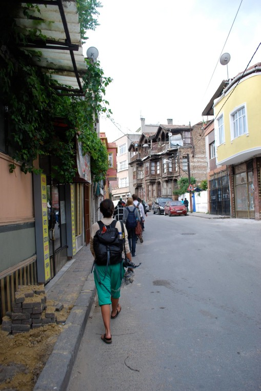 Heading to the Chora Church through the conservative Fatih district of Istanbul.