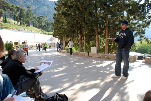 Chris fills everyone in on the history of Delphi at the beginning of our long day on the site.